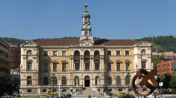 El Ayuntamiento de Bilbao activa las medidas excepcionales del  Plan Bilbao Aurrera dirigidas a las personas más vulnerables