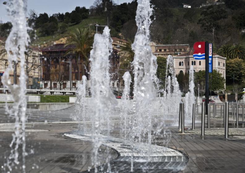 El Ayuntamiento de Bilbao restablece el suministro de agua en las fuentes ornamentales de Abandoibarra, Zabalburu, Jardines de Gernika y Ametzola