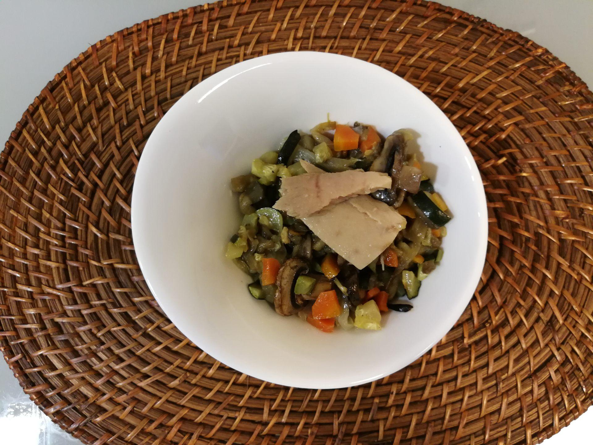 Ratatouille de verduras al horno con Bonito del Norte, de la mano de Conservas Serrats