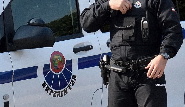 La presión vecinal logra desocupar un piso en Portugalete