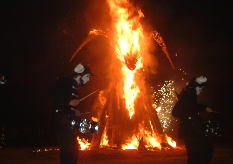 El Ayuntamiento de Bilbao suspende el encendido de las hogueras de la noche de San Juan