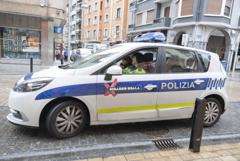 La Policía Local de Eibar tendrá que llevar armas de fuego